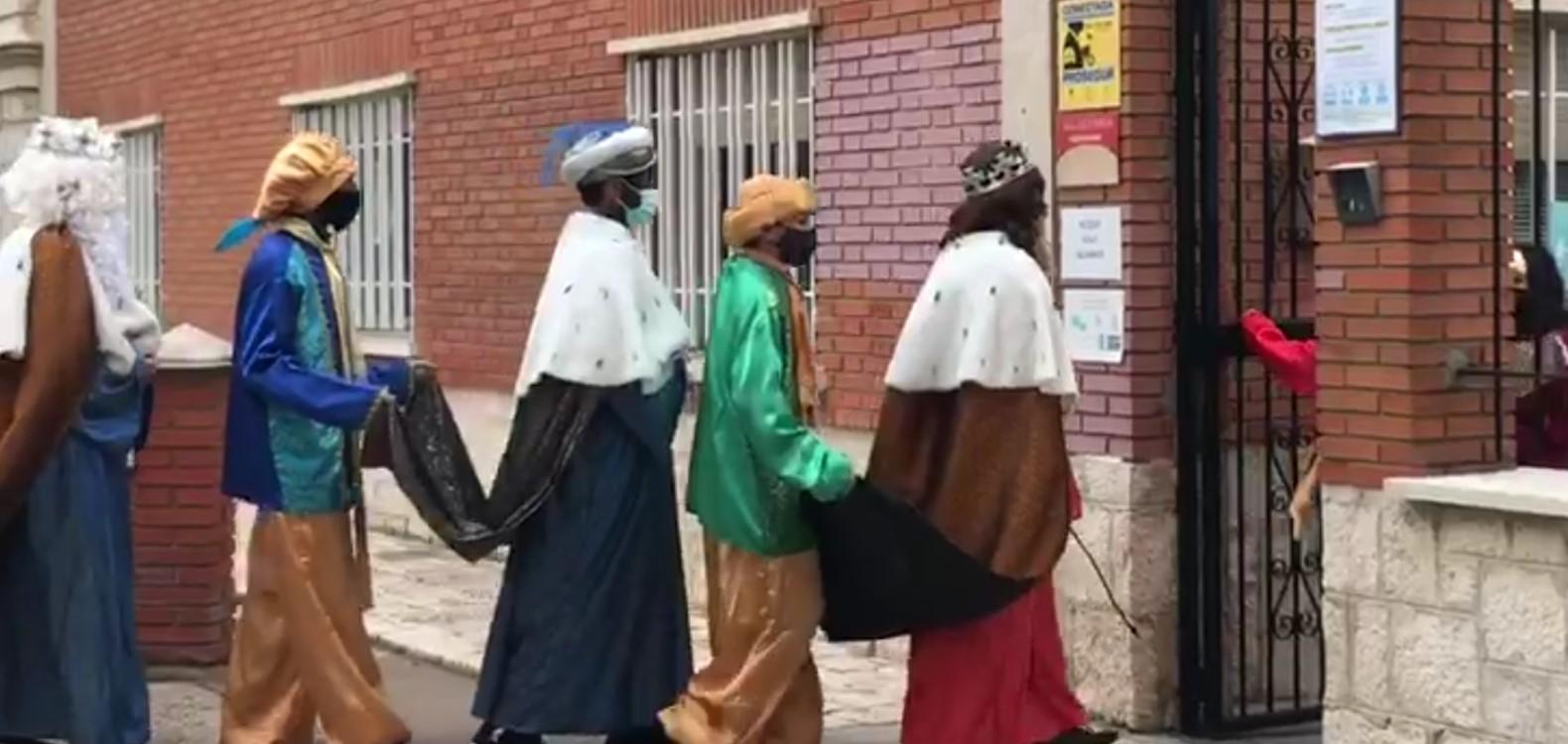 Los Reyes Magos visitan Infantil y Primaria